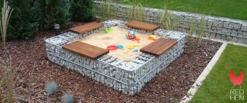gabion sandkasse med benker og lekesand 3